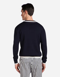 SWEATER IN WOOL WITH PATCH