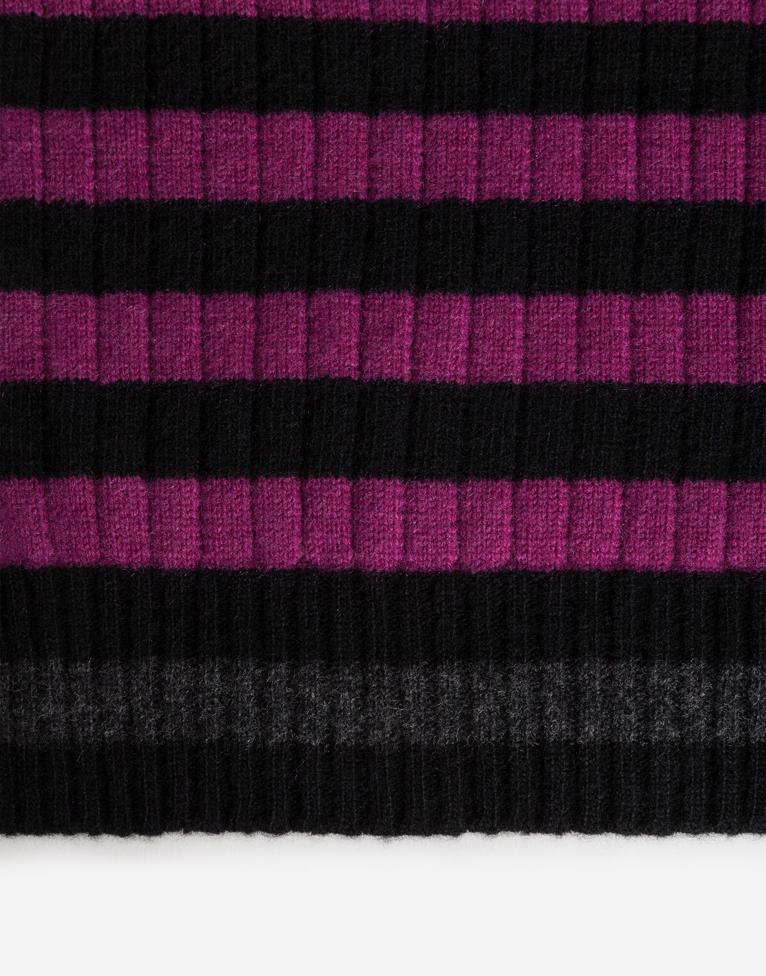 WOOL/CASHMERE BLEND SCARF