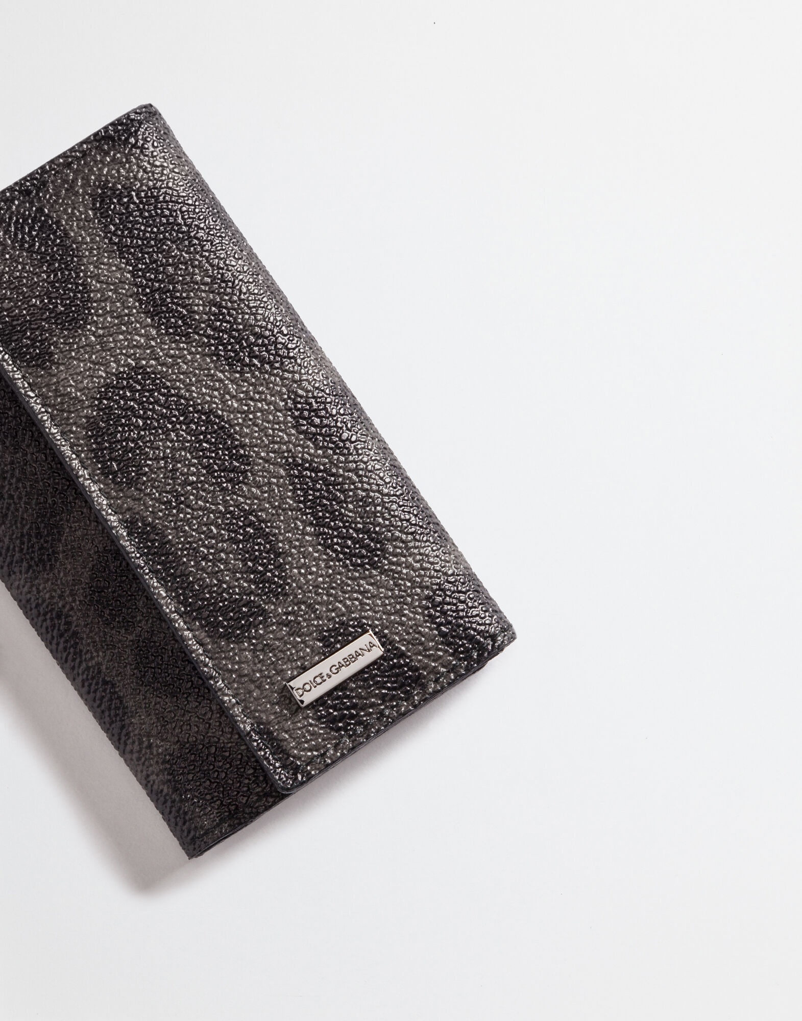 KEY HOLDER IN LEOPARD TEXTURED LEATHER