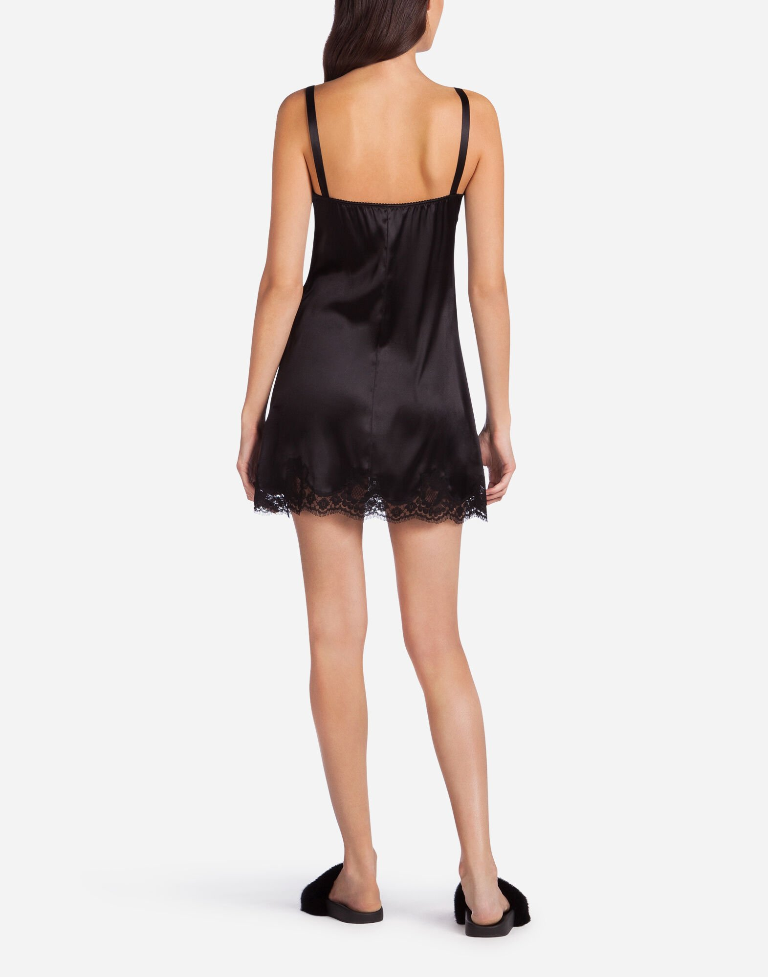 TOP IN SATIN WITH LACE DETAIL