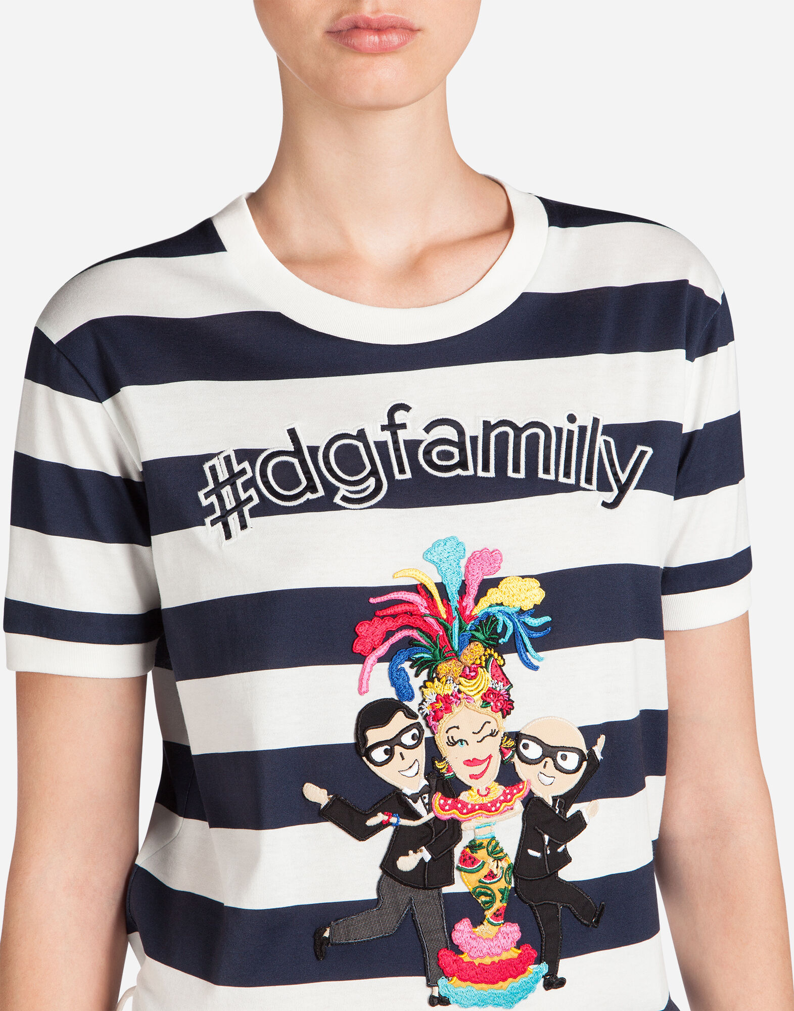 T-SHIRT IN COTTON WITH DESIGNERS PATCH
