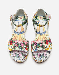 WEDGE SANDALS IN PRINTED BROCADE