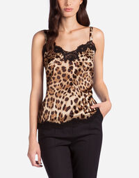 SILK TOP IN LEOPARD PRINT WITH LACE DETAIL