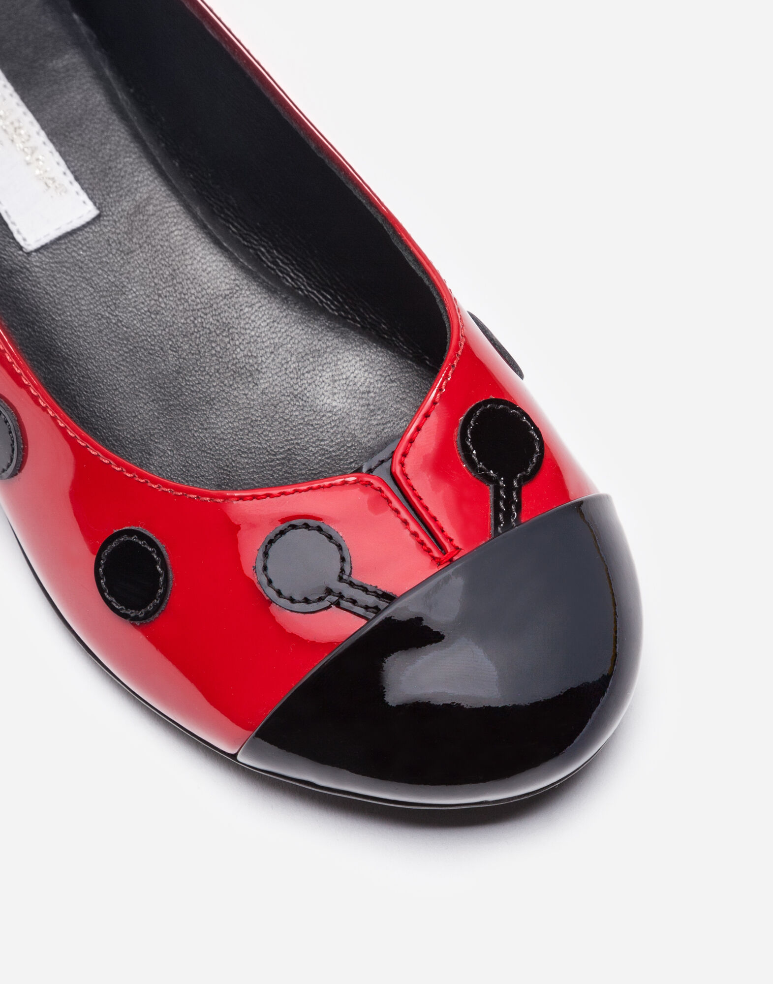 PATENT LEATHER BALLET FLATS WITH PATCH