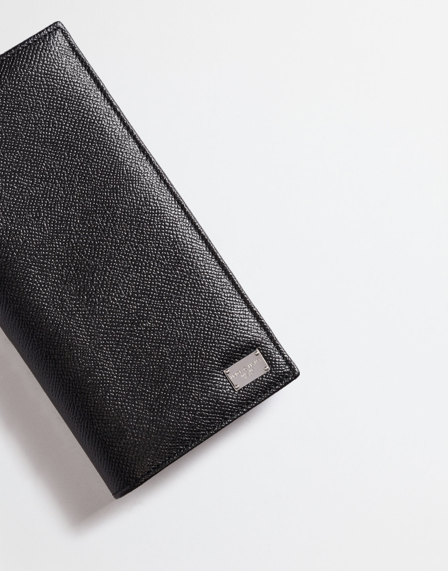 VERTICAL WALLET IN DAUPHINE LEATHER
