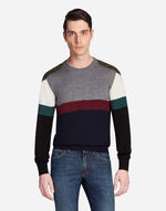 ROUND NECK WOOL SWEATER WITH PATCH