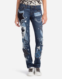 GIRLY-FIT DENIM JEANS WITH PATCH
