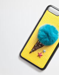 IPHONE 7 PLUS COVER WITH FUR DETAIL