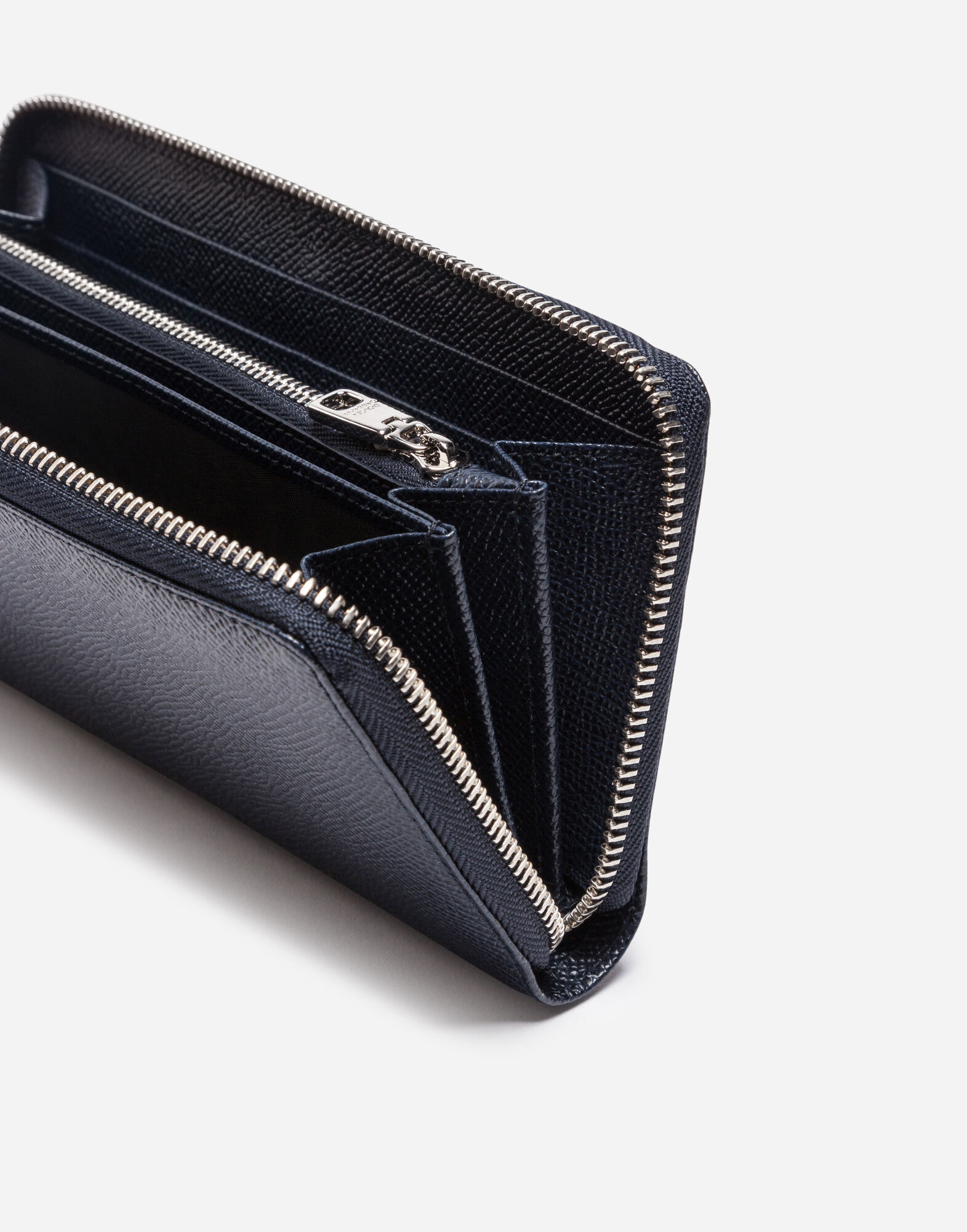 ZIP-AROUND WALLET IN DAUPHINE LEATHER