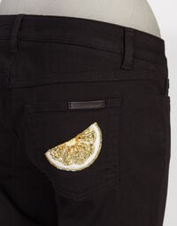 PRETTY FIT JEANS IN DENIM STRETCH WITH JEWEL EMBROIDERY