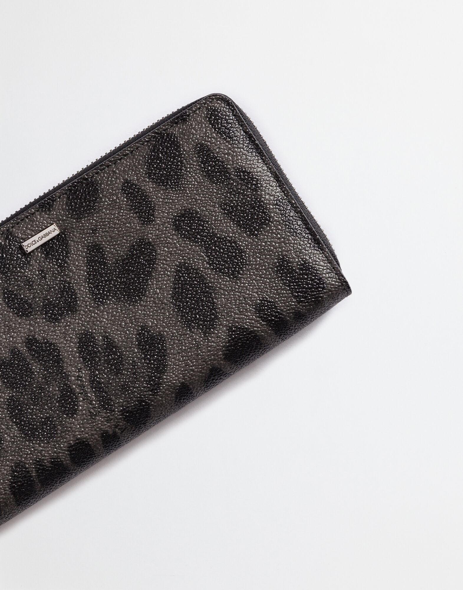 ZIP-AROUND WALLET IN CREPE LEOPARD