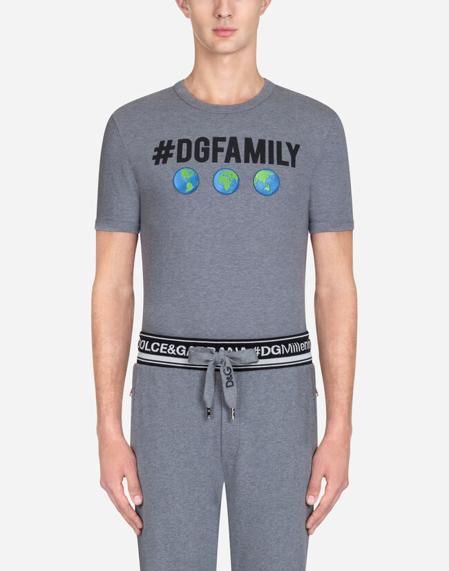Dolce & Gabbana T-SHIRT IN #DGFAMILY PRINTED COTTON WITH PATCH