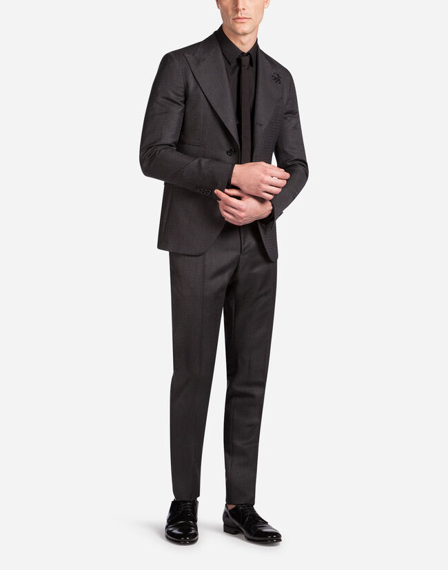 TWO-PIECE WOOLEN SUIT WITH PATCH