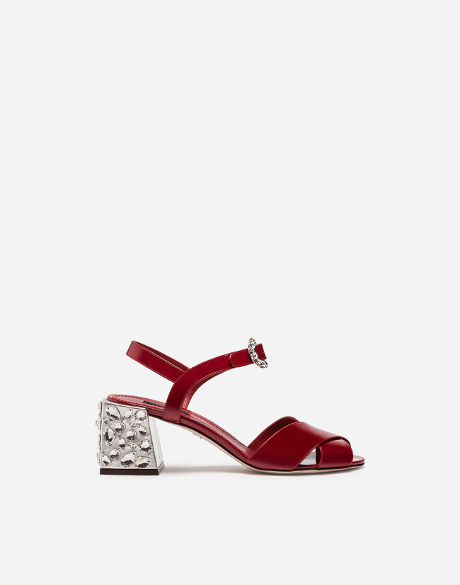 PATENT LEATHER SANDAL WITH EMBROIDERY