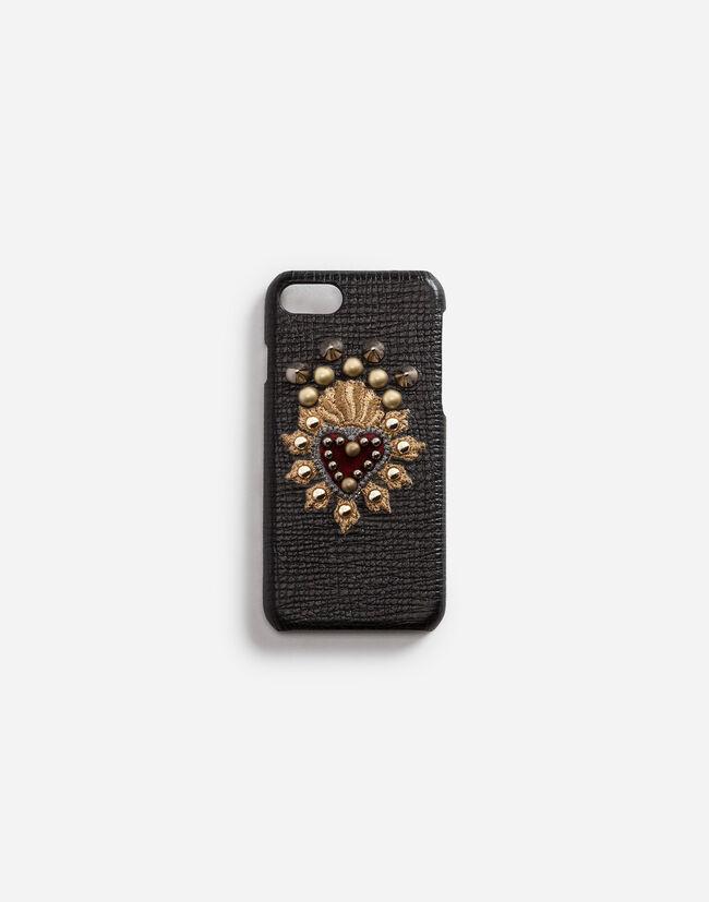 Coque Iphone 7 en Cuir de Veau à Écusson Cœur - Accessoires Hi-Tech ... c7f0e7463066