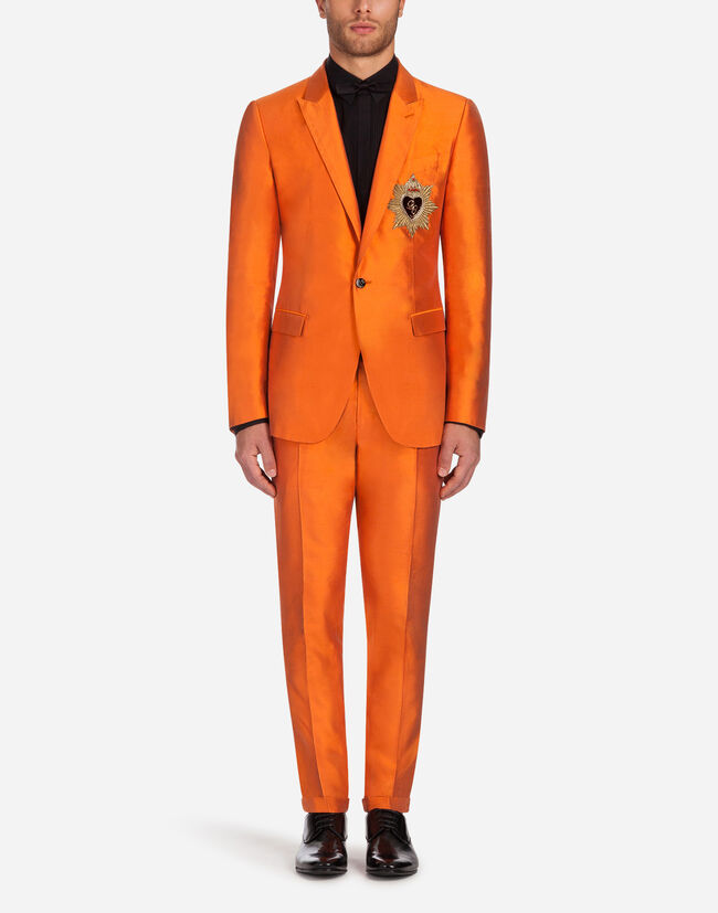 MARTINI-FIT SUIT IN SILK SHANTUNG WITH PATCH