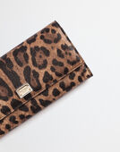 CONTINENTAL WALLET IN LEOPARD TEXTURED LEATHER