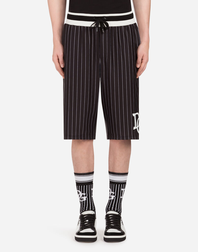 PRINTED JOGGING SHORTS WITH PATCH