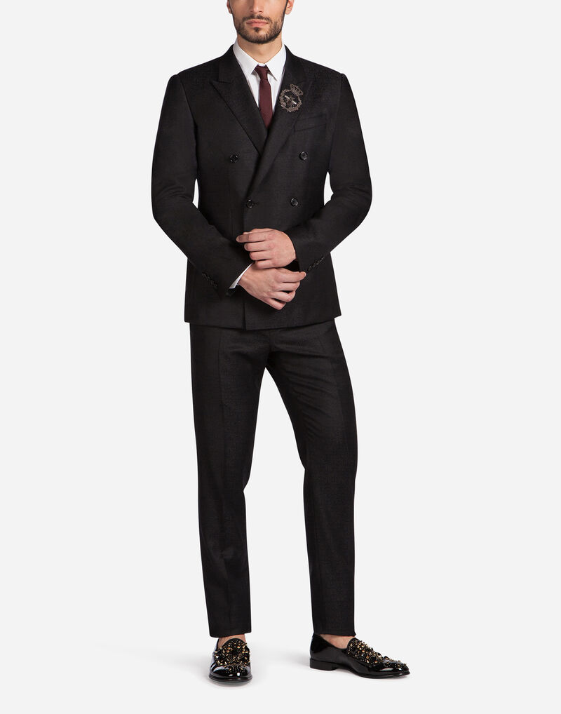 TWO-PIECE DOUBLE-BREASTED WOOL SUIT WITH PATCH