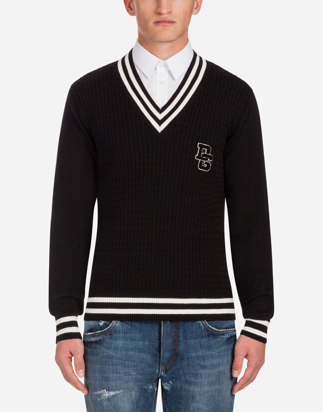 V-NECK CABLE-KNIT SWEATER IN COTTON