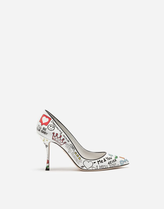 PUMPS IN PRINTED PATENT LEATHER