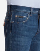 STRETCH COMFORT STONEWASHED JEANS