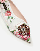 PRINTED PATENT LEATHER SLIPPERS WITH BROOCH DETAIL