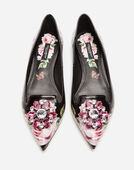 BALLET FLATS IN PRINTED PATENT LEATHER WITH BROOCH