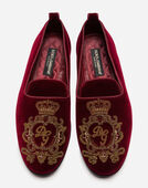 VELVET SLIPPERS WITH COAT OF ARMS EMBROIDERY