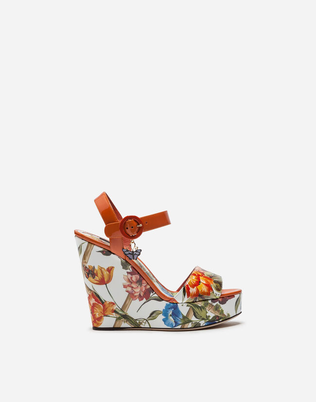 WEDGE SANDAL IN PRINTED PATENT LEATHER