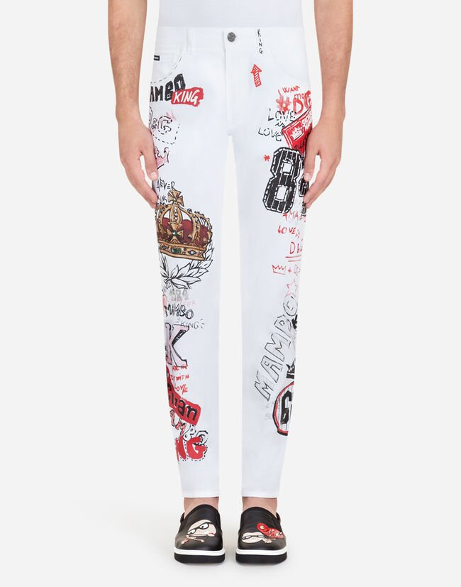 PRINTED STRETCH-FIT CAPRI JEANS WITH PATCH