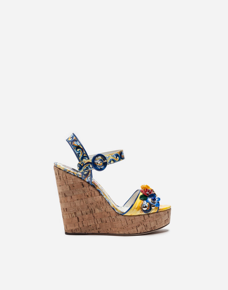 WEDGE SANDALS IN CORK AND PRINTED VARNISH